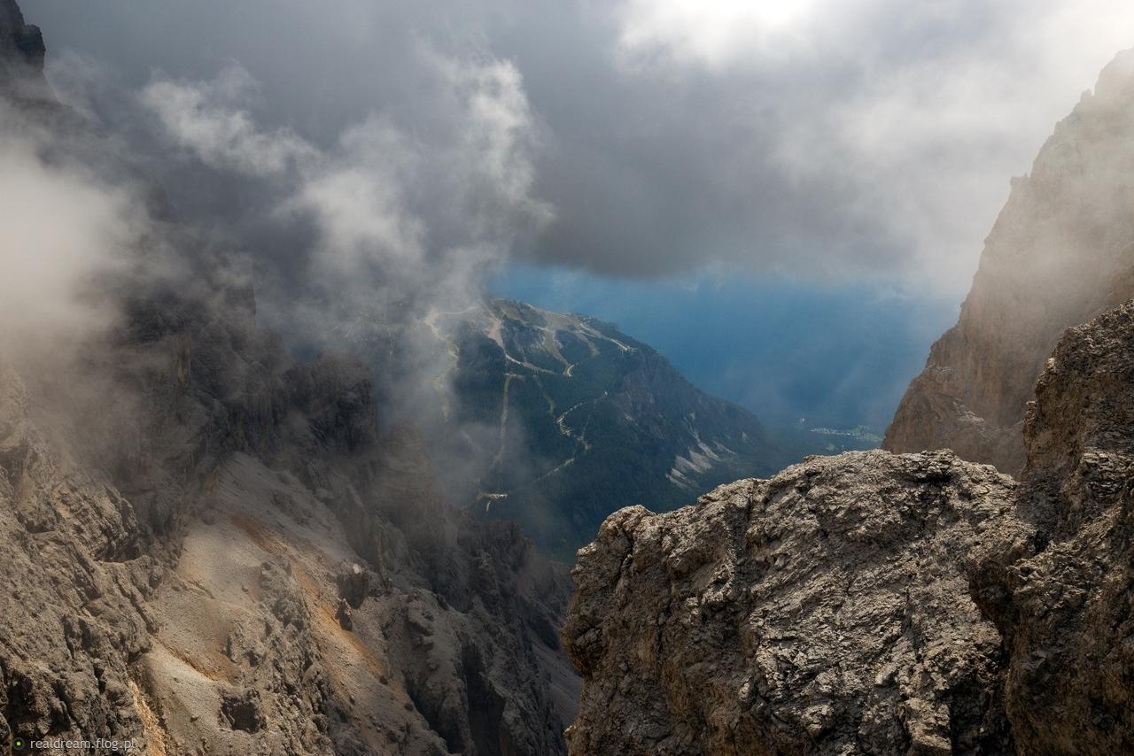 [Obrazek: 10653319_wdychajac-chmury-.jpg]