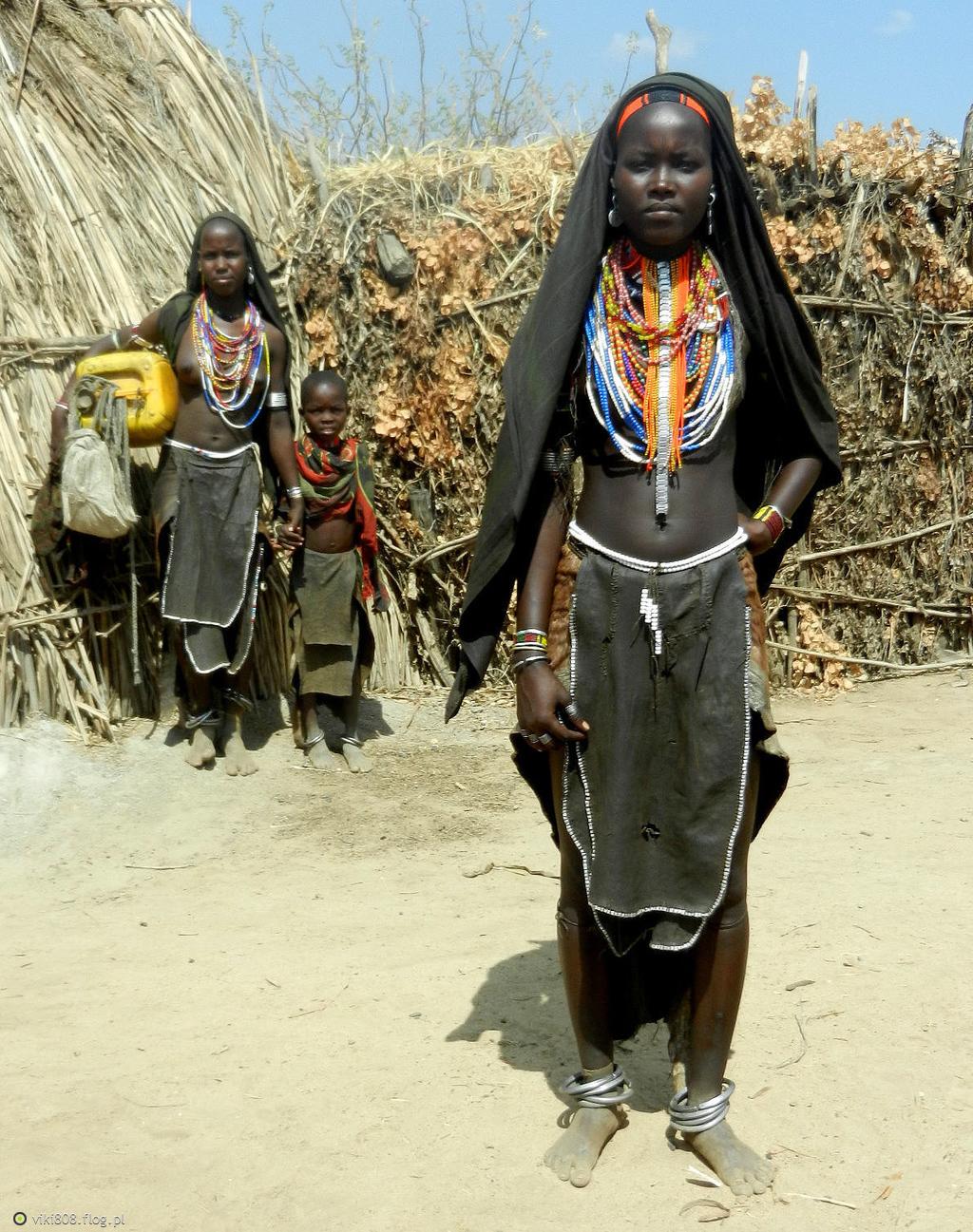 Nagie zdjęcia afrykańskich kobiet